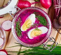 Chłodnik litewski z botwinki z maślanką i jogurtem - danie na lato [przepis]