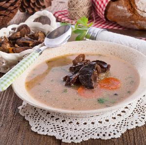 Zupa grzybowa po polsku: z kaszą [PRZEPIS]