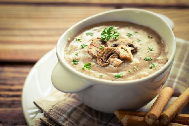 Jak zrobić zupę pieczarkową? Prosty przepis
