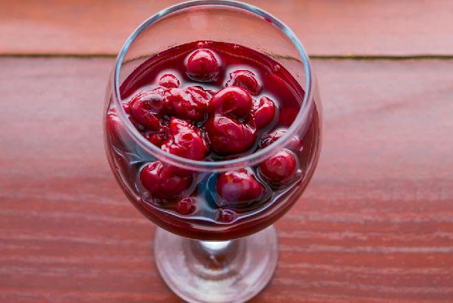 Czereśnie marynowane w occie i winie - przepis babuni
