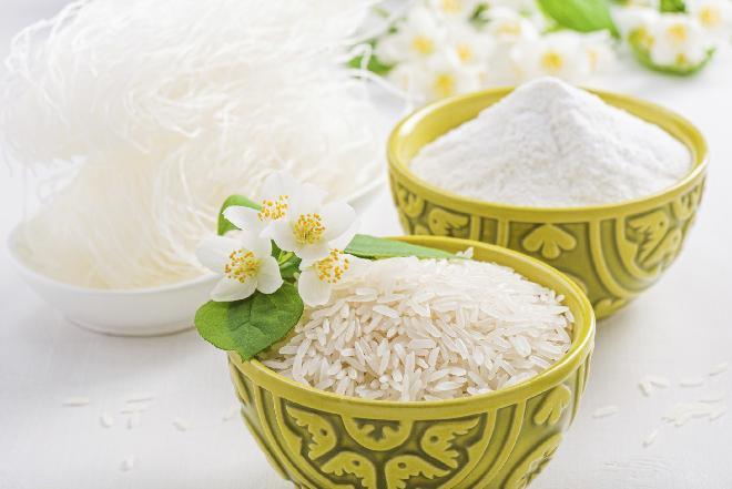 Domowe wino z ryżu z przyprawami
