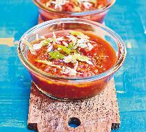 Ostra zupa pomidorowa z soczewicą i kolendrą