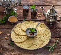 Marokańskie naleśniki z dziurkami - przepis na baghrir
