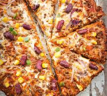 Meksykańska pizza z kurczakiem: przepis na tanie danie dla rodziny