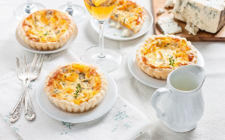 Francuska tarta z dynią i karmelizowaną cebulą: przepis
