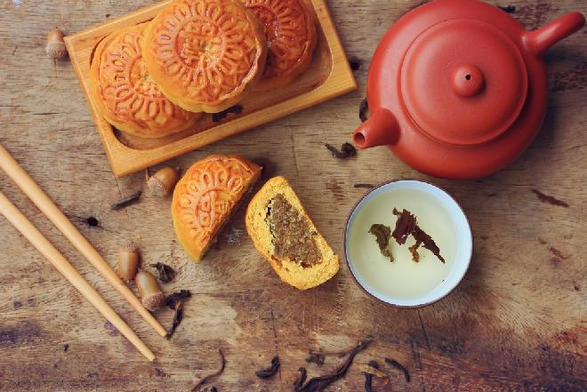 Ciasteczka księżycowe: przepis na chiński przysmak z okazji Święta Środka Jesieni