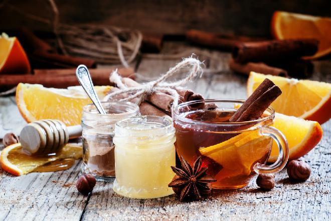 Aromatyczna zimowa herbata - przepis na rozgrzewającą i uodparniającą herbatę